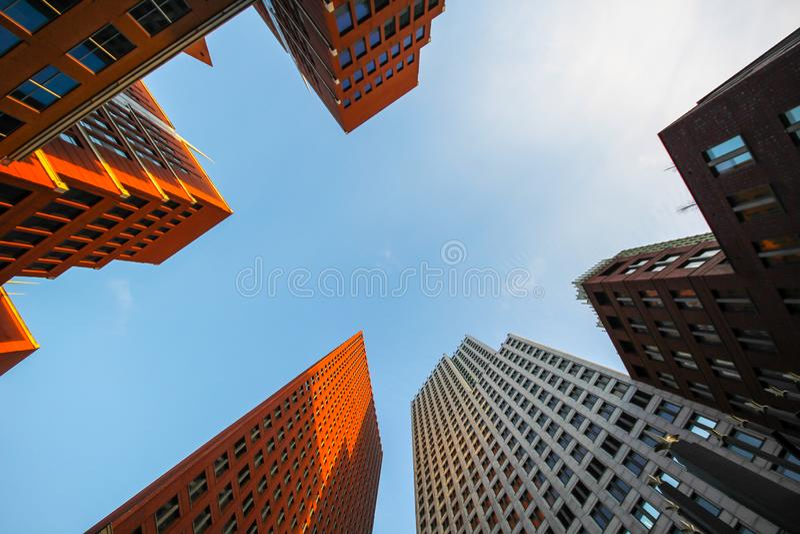 Hauts bâtiments de gratte-ciel de la Haye photographie stock libre de droits