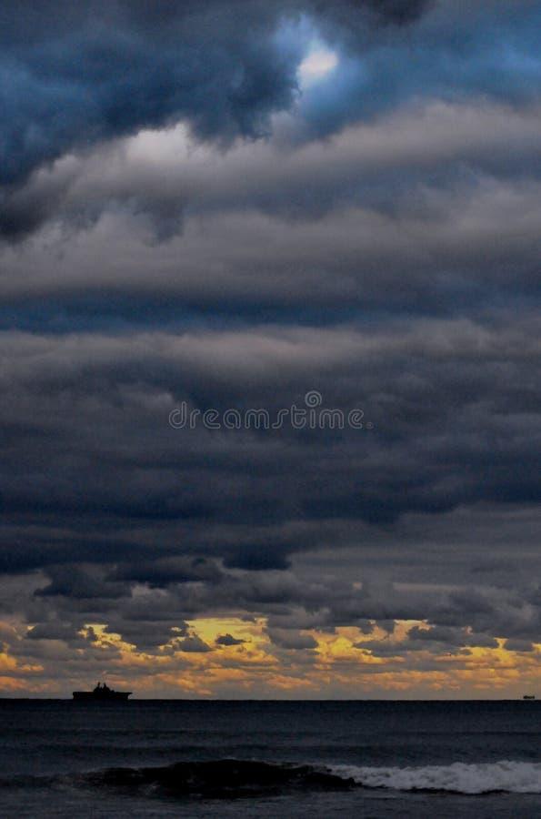 hav 3d framför platsskyen royaltyfri bild