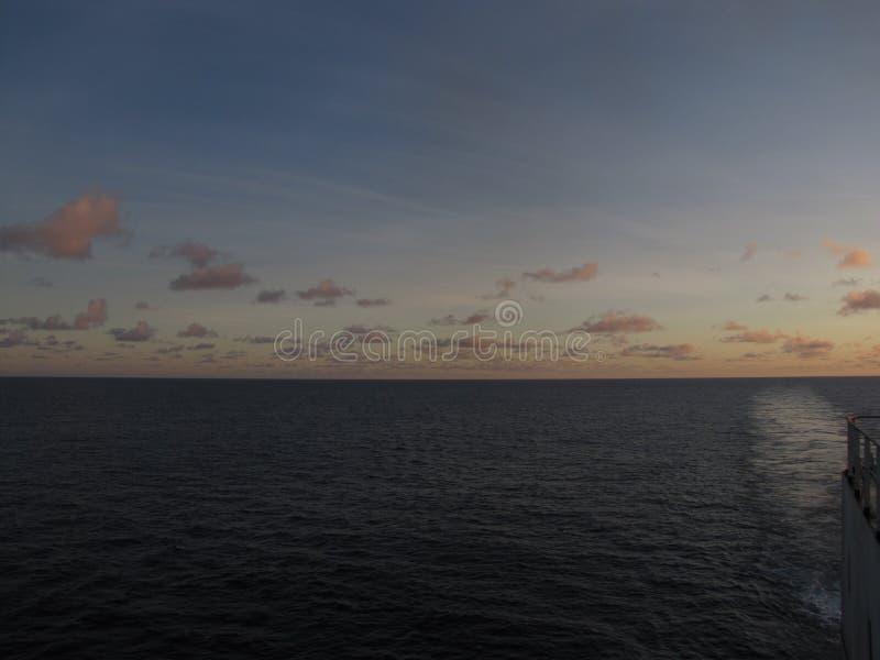 Hav himmel, skyttel, marin- liv, sjöman, hav royaltyfria bilder