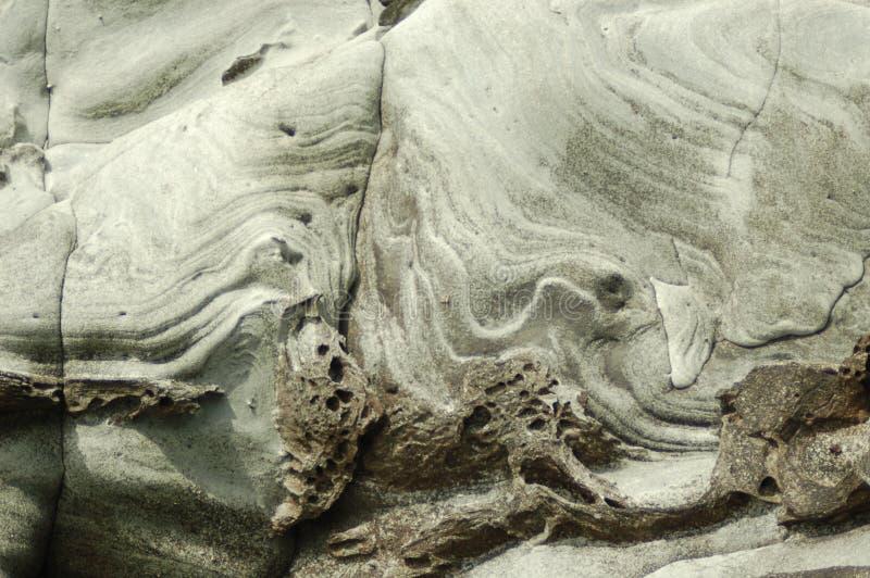 Hav huggen klippa i de Shetland öarna arkivbilder