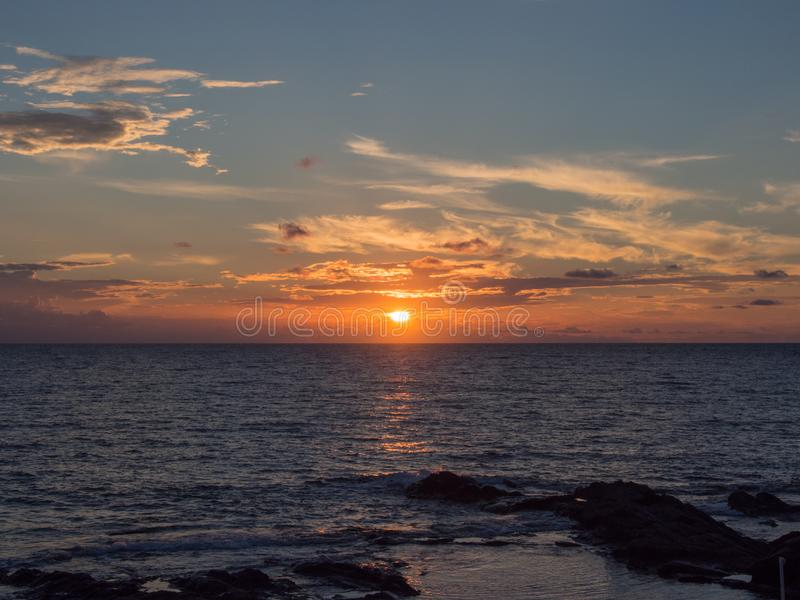 Hav och solnedgång i den Pantelleria ön, Sicilien, Italien arkivbilder