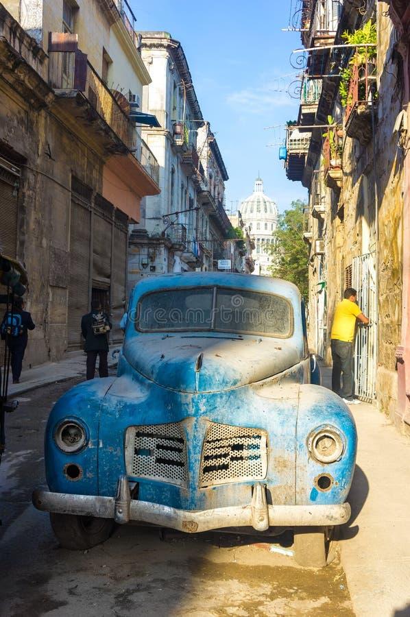 Street Scene With An Old Rusty American Car In Havana Editorial ...