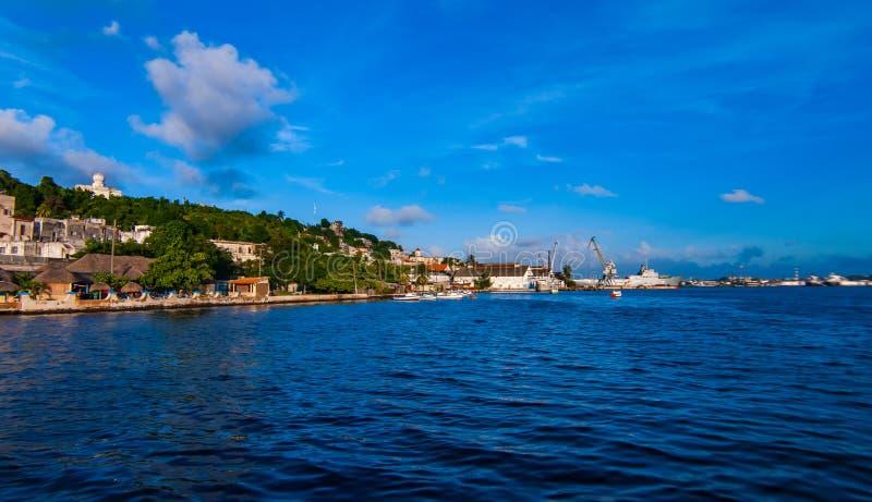 Havana Bay-Umgebungen, morgens gesehen Zeit lizenzfreie stockbilder