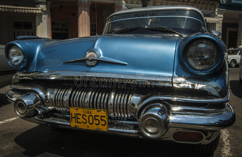 HAVANA/CUBA 4 de julho de 2006 - carros americanos velhos nas ruas de foto de stock royalty free