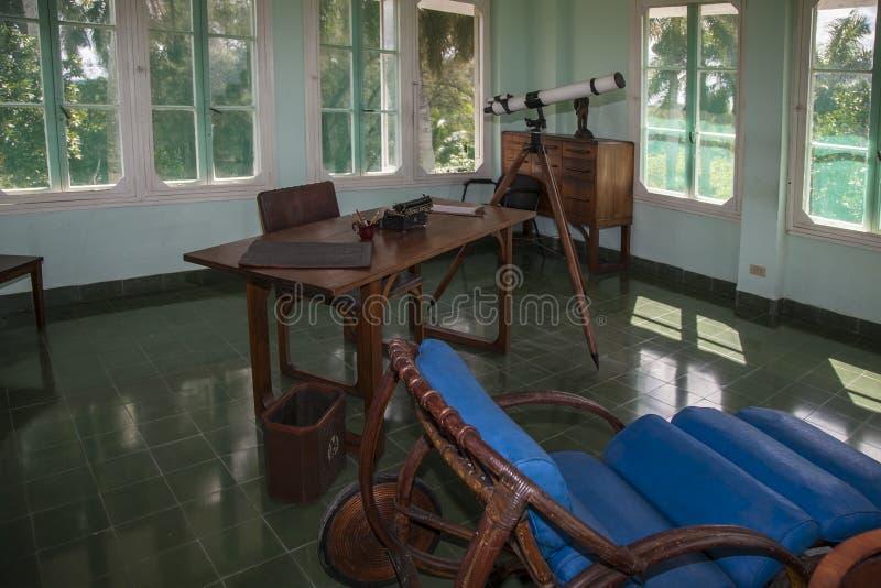 Havana, Cuba - 12 Januari 2013: Het huis van Ernest Hemingway, Finca VigÃa in San Francisco de Paula royalty-vrije stock afbeelding