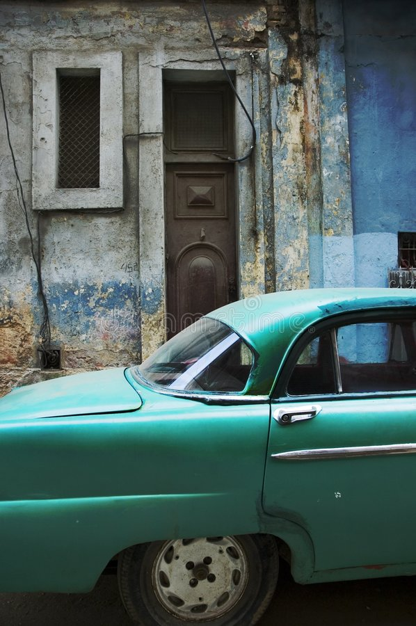 Havana facade and old timer royalty free stock images