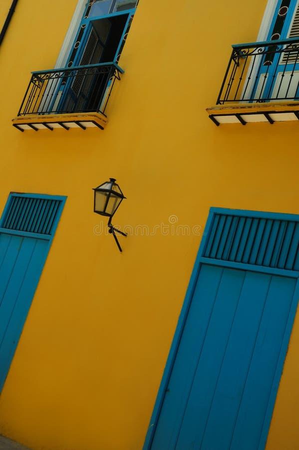 Havana-Gebäudefassade lizenzfreies stockbild
