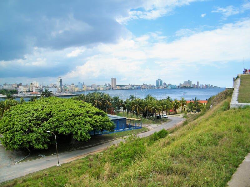 Havana im horizont lizenzfreie stockfotografie