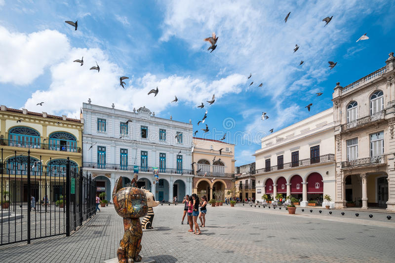 Download Havana Old Square Or Plaza Vieja Editorial Image - Image of facade, buildings: 94952485