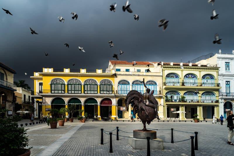 Havana Square y estatua imagen de archivo