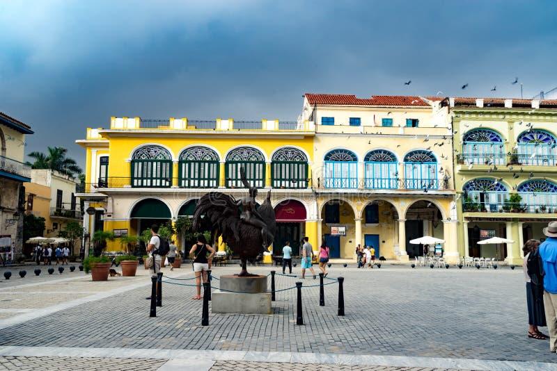 Havana Square y estatua fotografía de archivo libre de regalías