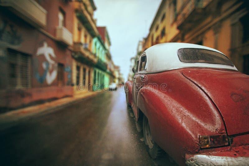 Havana-Straßenrotauto stockfotografie