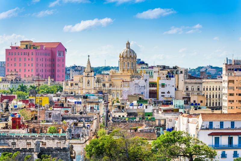 Havannacigarr i stadens centrum horisont för Kuba fotografering för bildbyråer