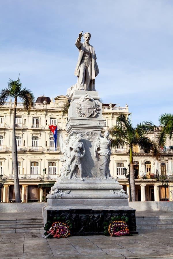 Havannacigarr Kuba - December 12, 2016: Monument av Jose Marti i royaltyfria foton