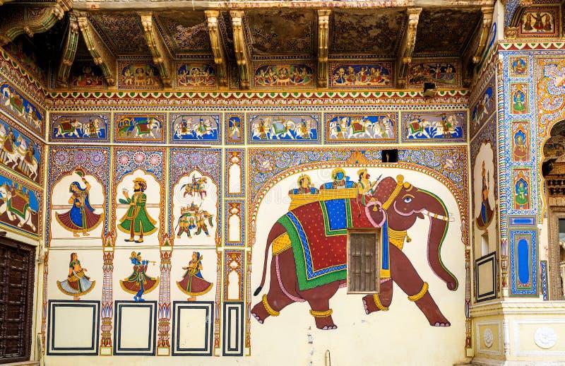 Havelis Frescoed dans Mandawa, traditionnel dans un style très fleuri photos libres de droits