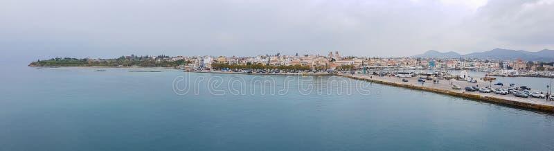 Haven en stad van Aegina-Panorama, Eiland Aegina, Griekenland stock foto