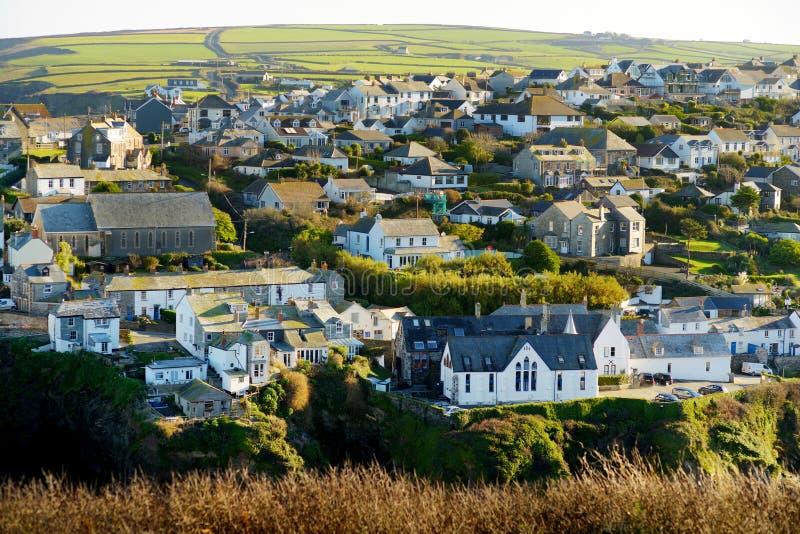 Haven Isaac, een klein en schilderachtig visserijdorp op de Atlantische kust van Noord-Cornwall, Engeland, Verenigd Koninkrijk, h stock foto's
