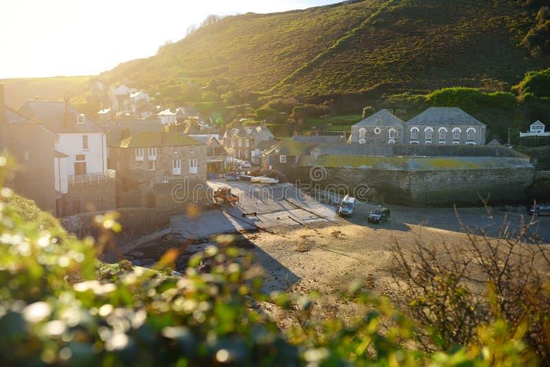 Haven Isaac, een klein en schilderachtig visserijdorp op de Atlantische kust van Noord-Cornwall, Engeland, Verenigd Koninkrijk, h stock afbeeldingen