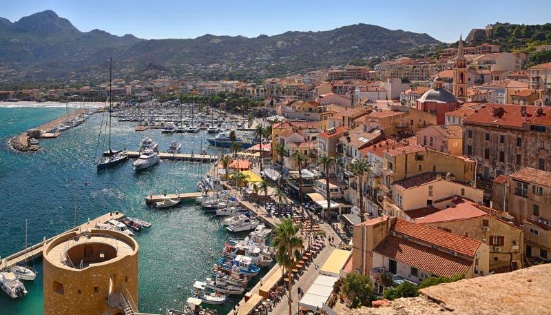 Haven van Calvi Corsica - overzicht van de citadel stock afbeelding