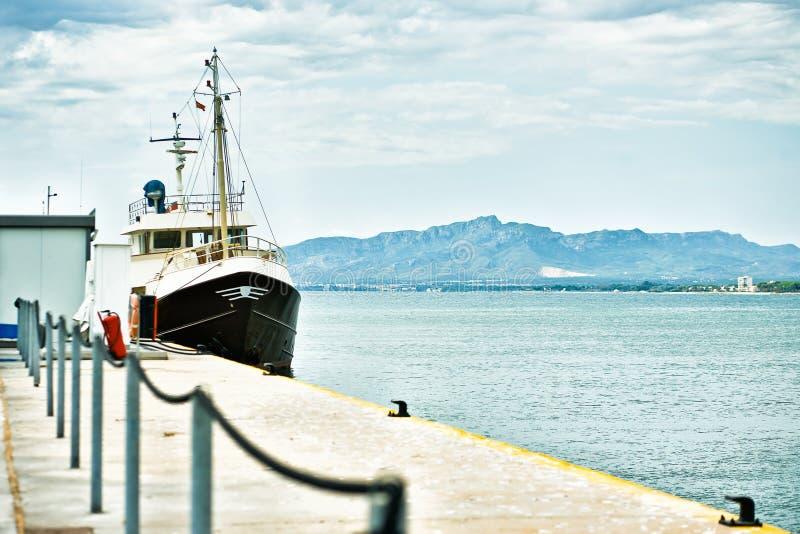haven van Cambrils, Costa Dorada, Spanje stock foto's