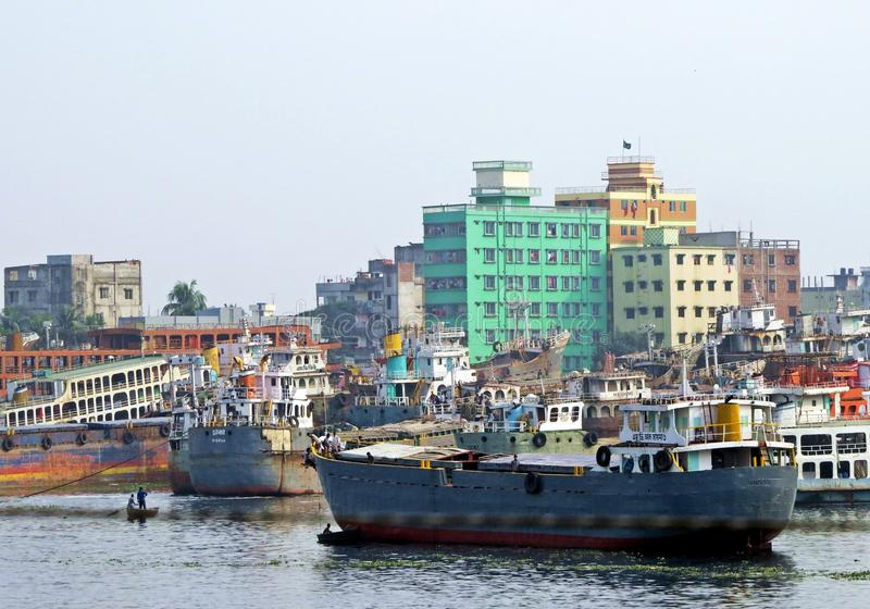 Haven van Dhaka, Buriganga-Rivier, Dhaka, Bangladesh stock foto's