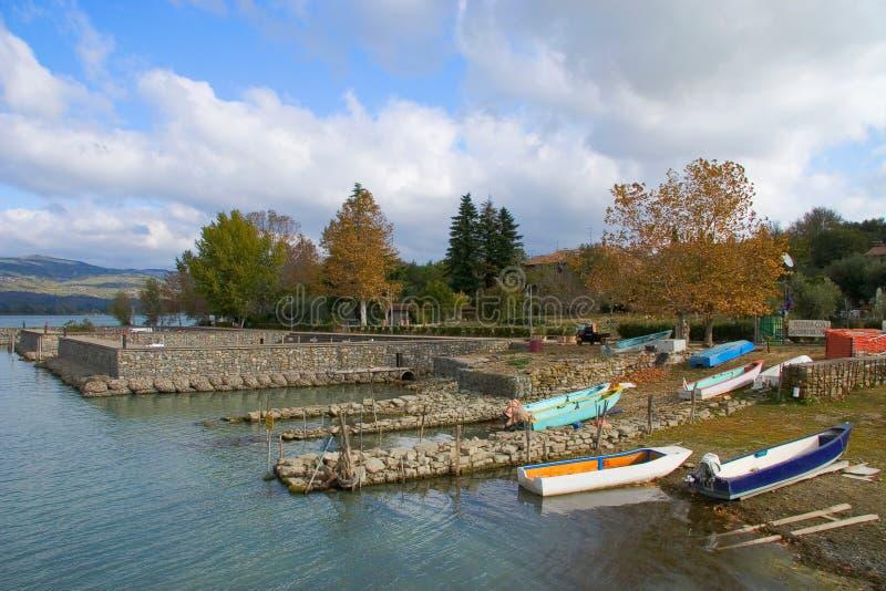 Haven van het belangrijkste eiland van Meer Trasimeno in Italië stock foto's