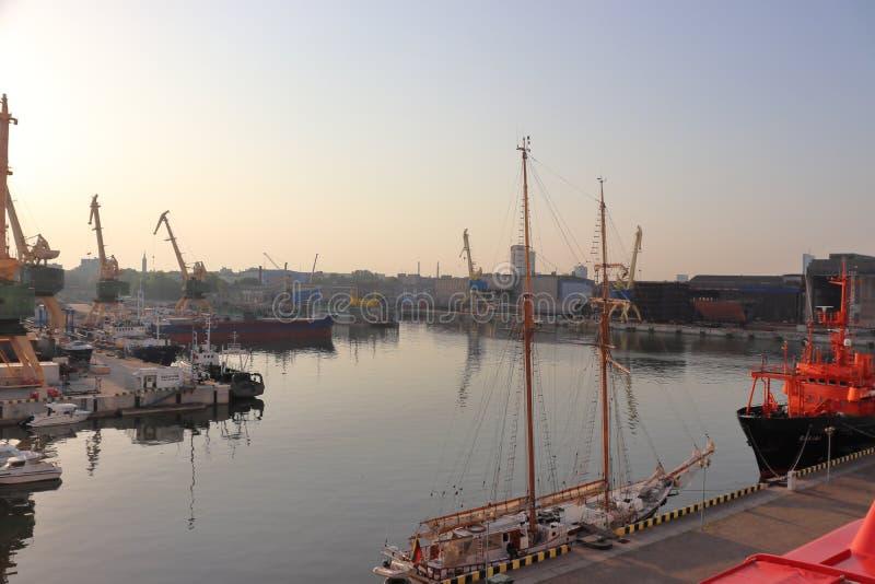 Haven van Klaipeda in Litouwen in de zomer op vakantie royalty-vrije stock afbeeldingen