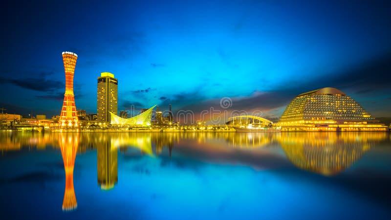 Haven van Kobe bij schemer stock fotografie