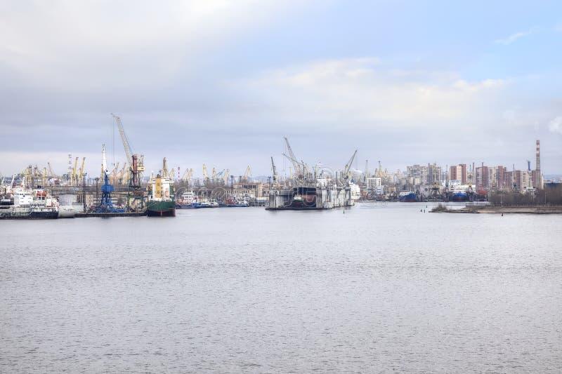 Haven van stad Heilige Petersburg royalty-vrije stock afbeelding