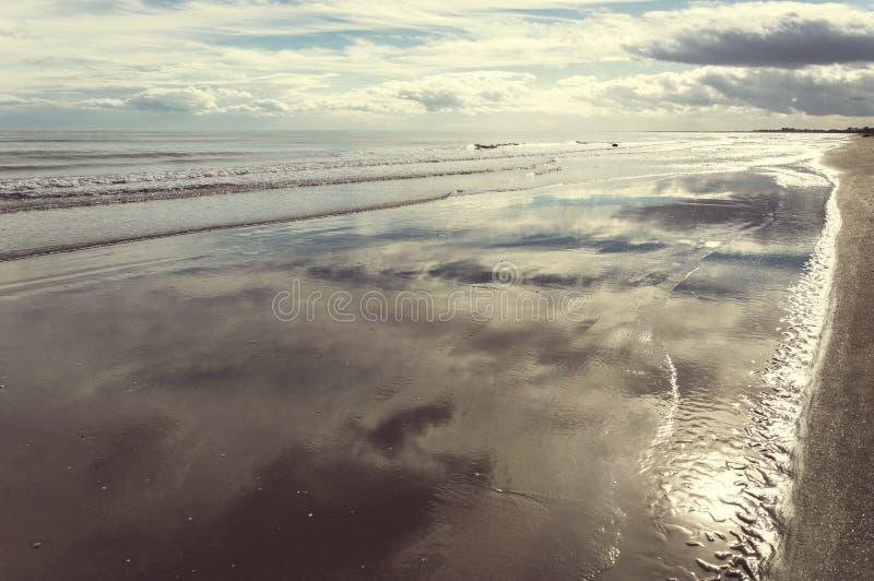 Havet och skyen royaltyfri bild