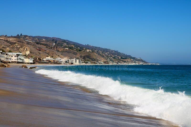 Havkust nära den Venice Beach strandpromenaden, Los Angeles Kalifornien USA arkivbilder