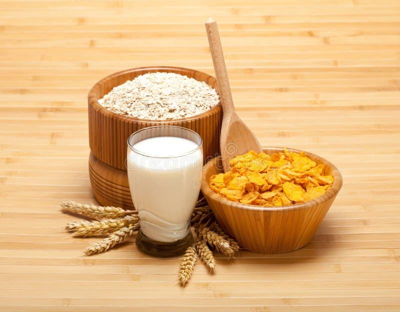 havren flagar sund mat mjölkar arkivbilder