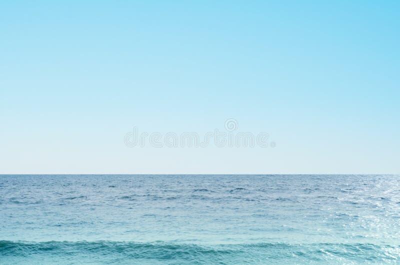 Havs- och himmelbakgrund arkivfoto