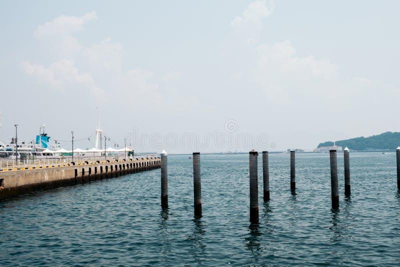 Havs- och portlandskap i sommardag i Korea royaltyfri fotografi
