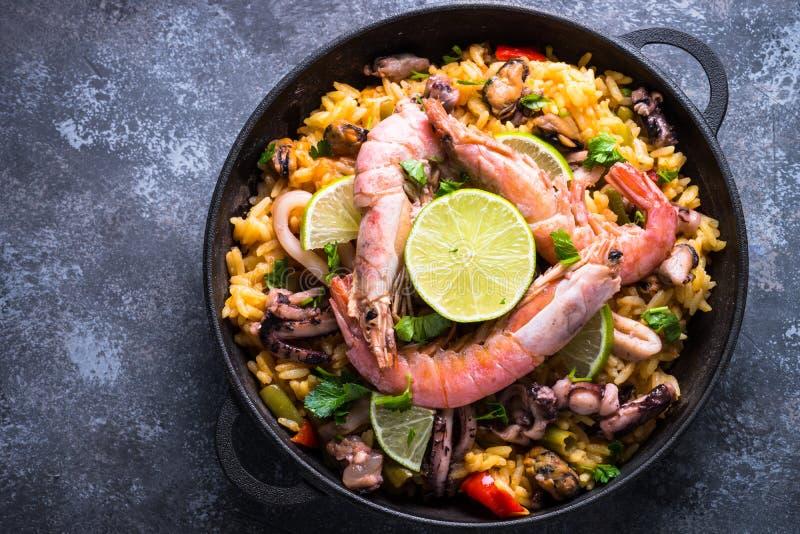 Havs- paella Traditionell spanjormaträtt, bästa sikt royaltyfria foton