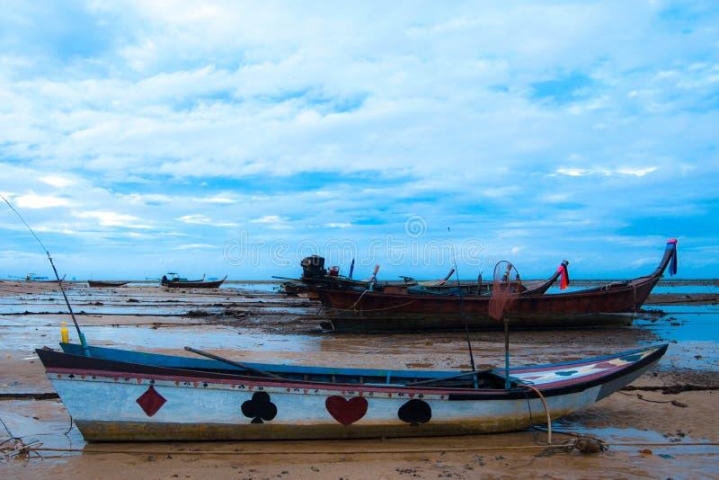 Havsfartyg och himmel arkivfoton