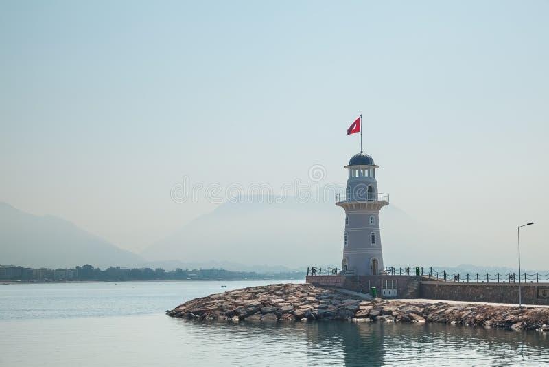 Havsfyr Fyr i Alanya, Antalya område, Turkiet Popul?r turist- destination Landskap med fyren arkivbilder
