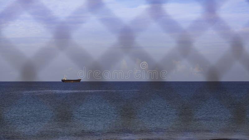 Havslandskap med demitrios för skepphaverimillivolt II royaltyfri bild