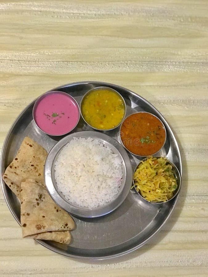 Havsmat Thali, Konkan kokkonst royaltyfri fotografi