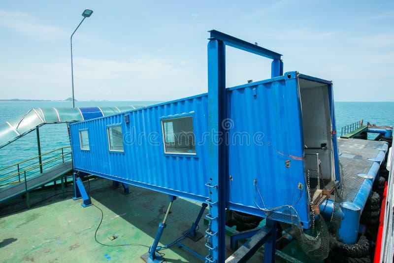 Havsport av seatranfärjaterminalen en pirkohsamui, Surat Thani royaltyfri foto
