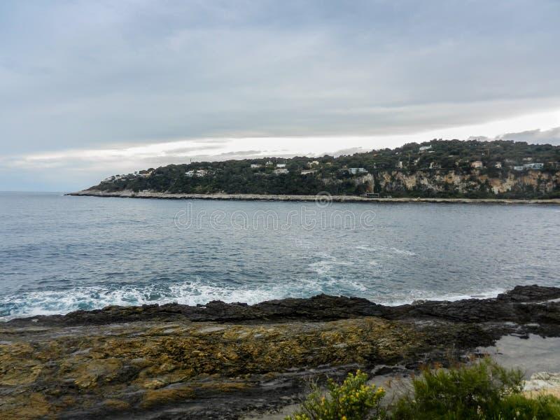 Havssikt från Helgon-Jean-locket-Ferrat arkivfoton