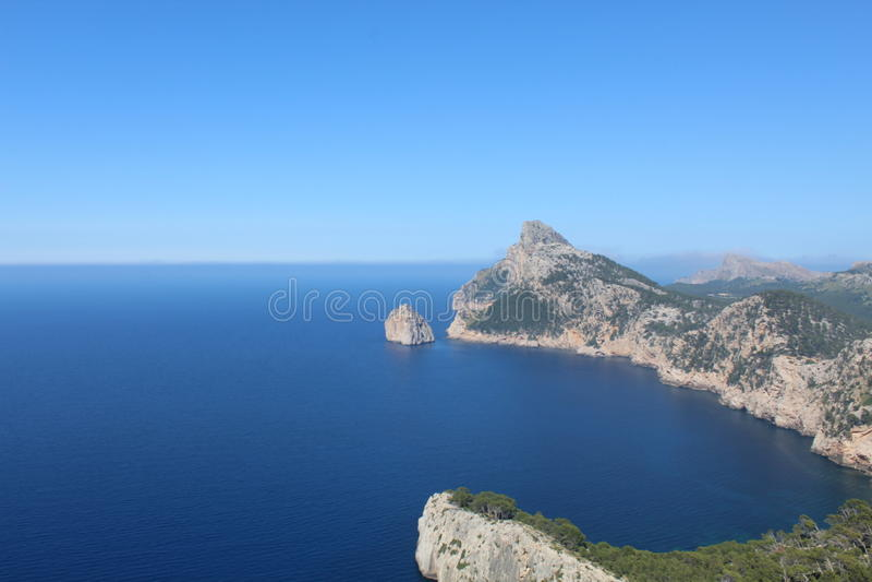 Havssikt norr Mallorca arkivbild