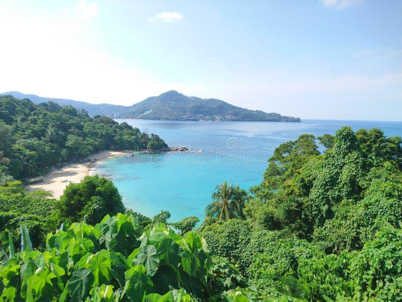 Havssikten på Laem sjunger, Phuket fotografering för bildbyråer