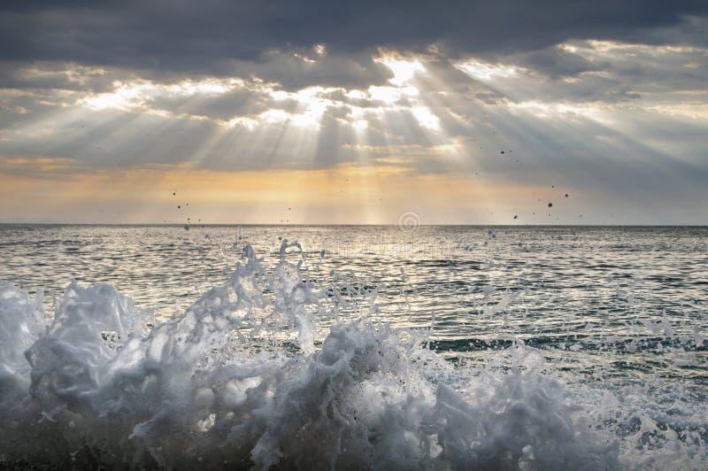 Havssprej Färgstänk av havsvatten Landskap arkivfoto