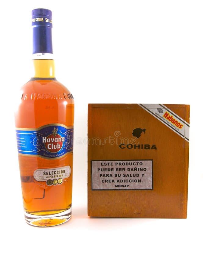 Hawański Świetlicowy rum i Cohiba cygara obrazy stock