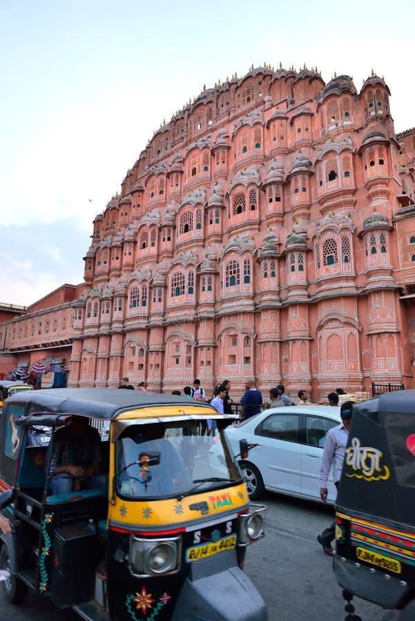 Hawa Mahal bij Schemer, Jaipur stock fotografie