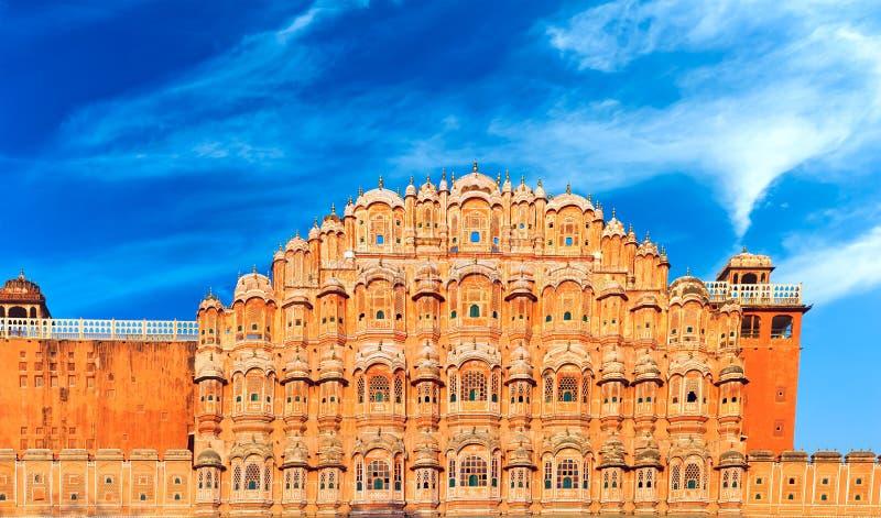 Hawa Mahal Palace i Indien, Rajasthan, Jaipur. Slott av vindar arkivfoto