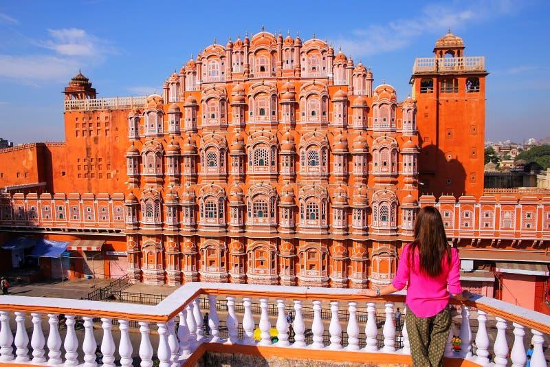 Hawa Mahal - slott av vindarna i Jaipur, Rajasthan, Indien royaltyfri foto