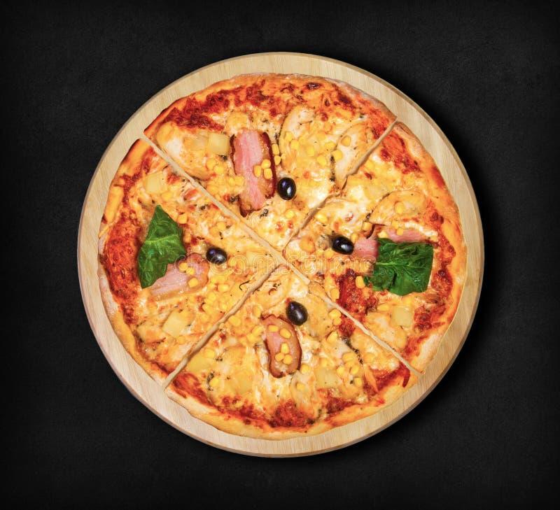hawaii pizza Denna bild är perfekt för att dig ska planlägga dina restaurangmenyer Besöka min sida Du ska vara i stånd till att f fotografering för bildbyråer