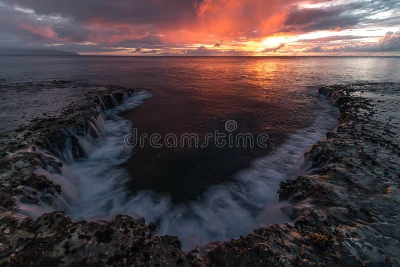 Hawaii Seascapesolnedgång, orange himmel, landskap arkivfoton